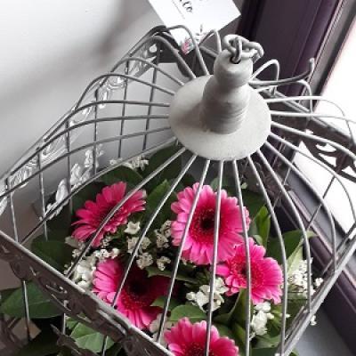 Cage fleurie pour octobre rose 2019
