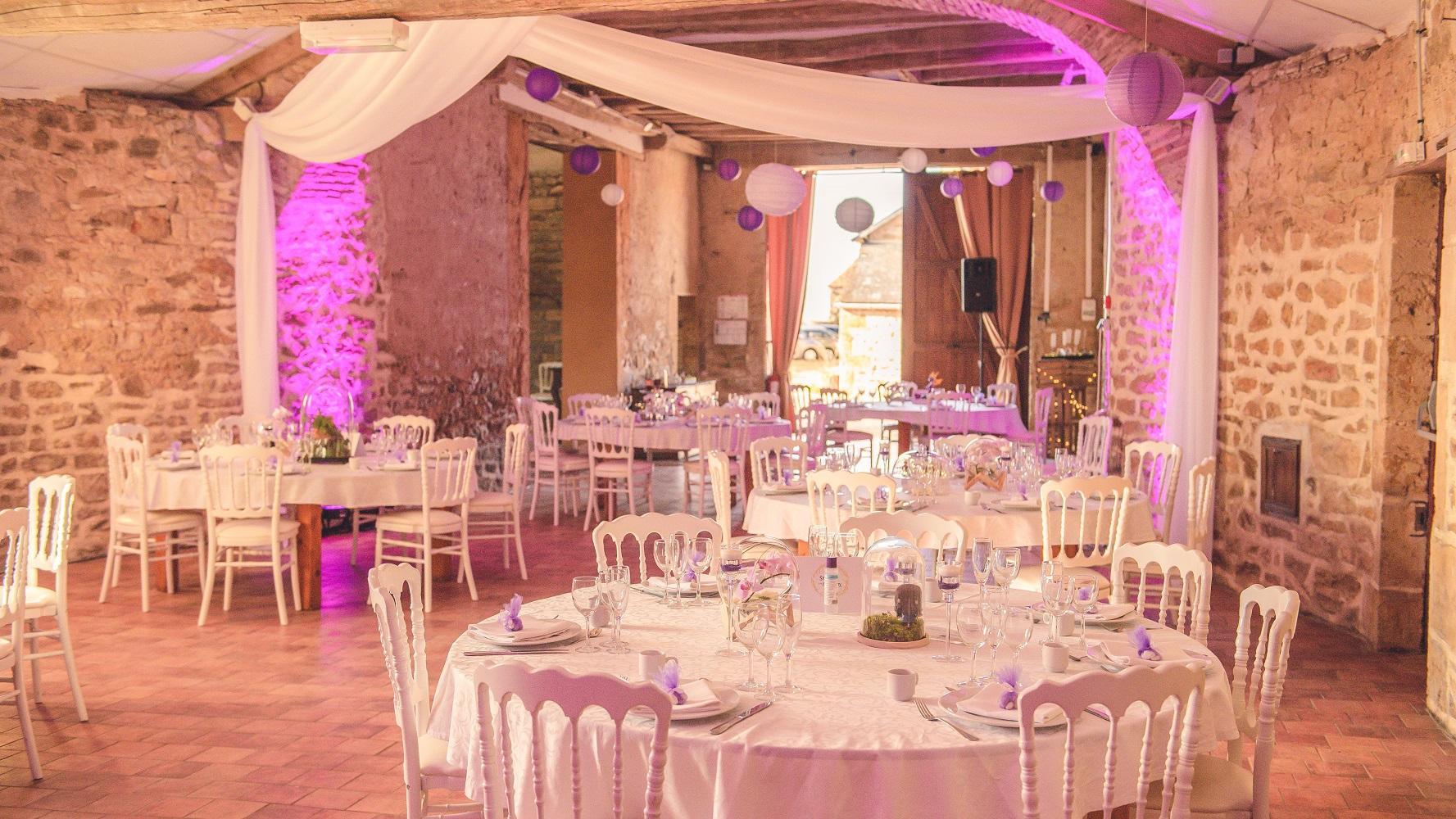 Mariage geek au chateau Vauban, teintes parme et violines